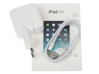 "9.7"" Планшет Apple iPad Air (5 Gen) 16 Гб  серый"