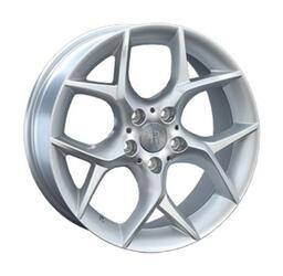 Автомобильный диск литой Replay B125 8x18 5/120 ET 46 DIA 72,6 Sil