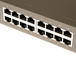 Коммутатор TP-LINK TL-SF1016DS