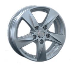 Автомобильный диск Литой Replay H66 5,5x15 5/114,3 ET 45 DIA 64,1 Sil