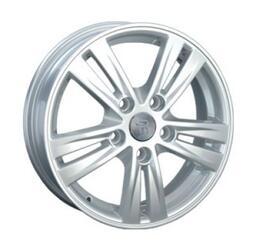 Автомобильный диск Литой Replay Ki31 5,5x15 5/114,3 ET 47 DIA 67,1 Sil