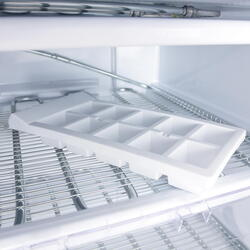Встраиваемый морозильный шкаф Hotpoint-Ariston BFS 1222