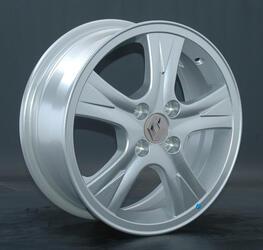Автомобильный диск литой Replay RN51 6x15 4/112 ET 45 DIA 54,1 Sil