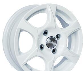 Автомобильный диск литой Скад Аэро 5x13 4/114,3 ET 46 DIA 70,1 белый
