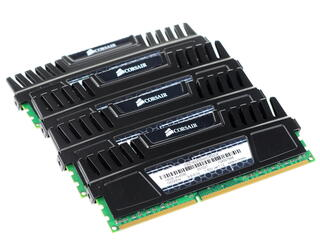 Память DIMM DDR3  4096MBx4 PC12800 1600MHz Corsair Vengeance 9-9-9-24 [CMZ16GX3M4A1600C9] Retail