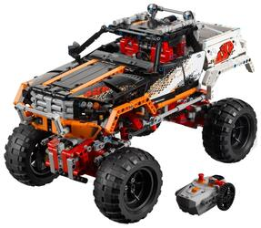 Конструктор LEGO Technic Внедорожник 4х4 9398