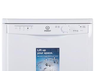 Посудомоечная машина Indesit DFG 15B10 EU белый