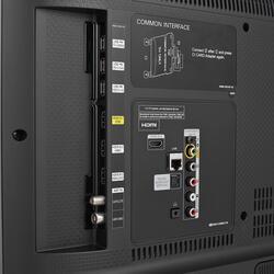 """32"""" (81 см)  LED-телевизор Samsung UE32J6300 черный"""