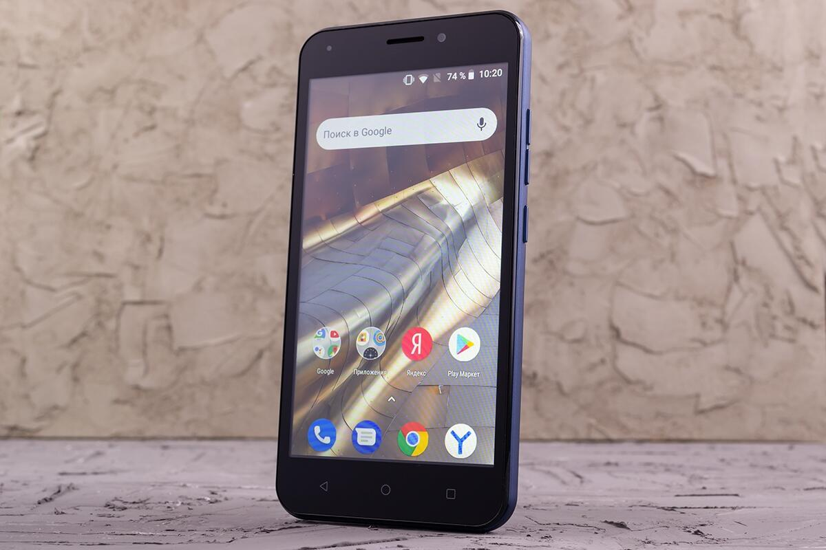 4f85ff6d344a6 Эта контора по продажам смартфонов в России в 2018 году обошла Apple,  Huawei и Xiaomi. Только Samsung удалось обойти российского гиганта и занять  первое ...