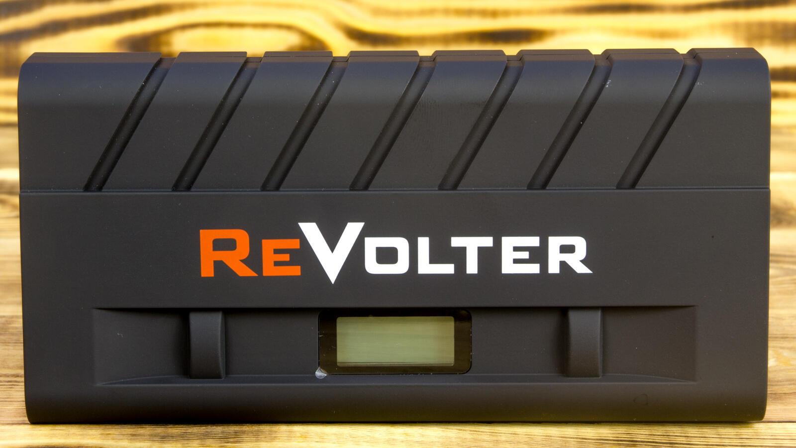 Avtotovary - Obzor puskovogo zaryadnogo ustroystva ReVolter Nitro