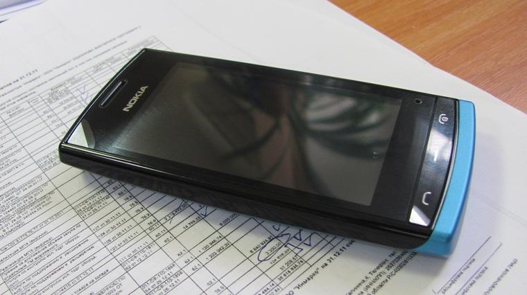 Мобильный телефон Nokia 500: привлекательное сочетание функционала, дизайна и цены.