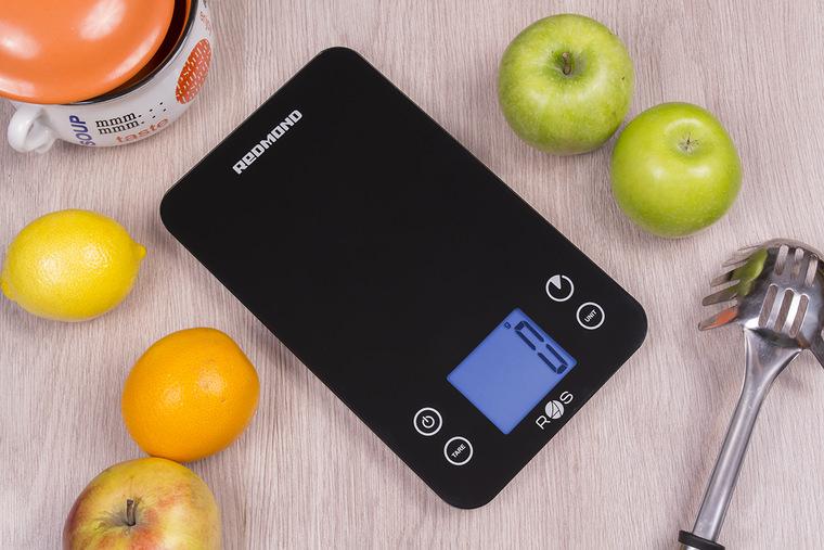 👉Обзор Redmond SkyScales 741S - умные весы-диетолог с автоматическим подсчетом калорий и БЖУ | Кухонные весы | Обзоры | Клуб DNS