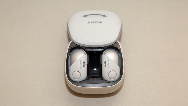 Smartfony i aksessuary - Obzor Sony WF-SP700N. Besprovodnaya Bluetooth stereogarnitura.