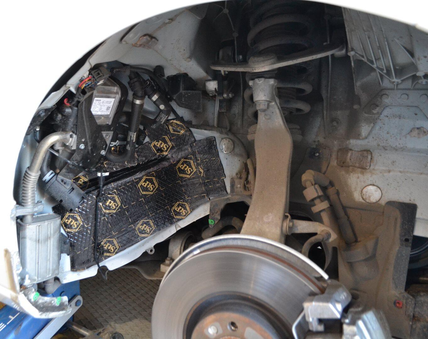 Avtotovary - O vibropogloshcayushcem materiale StP Bimast Bomb Premium