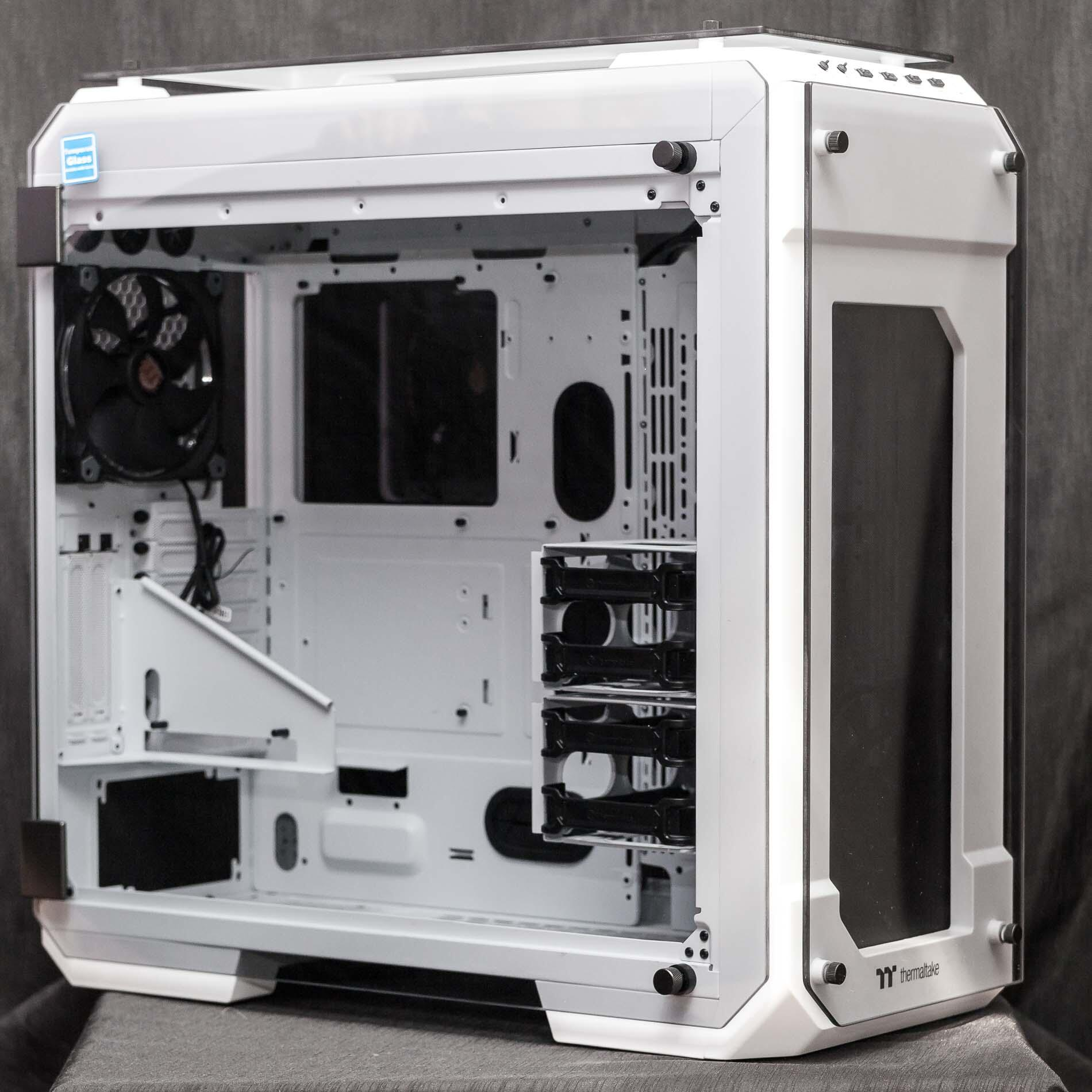 Kompyutery i komplektuyushcie - Obzor korpusa Thermaltake View 71 Tempered Glass Snow Edition