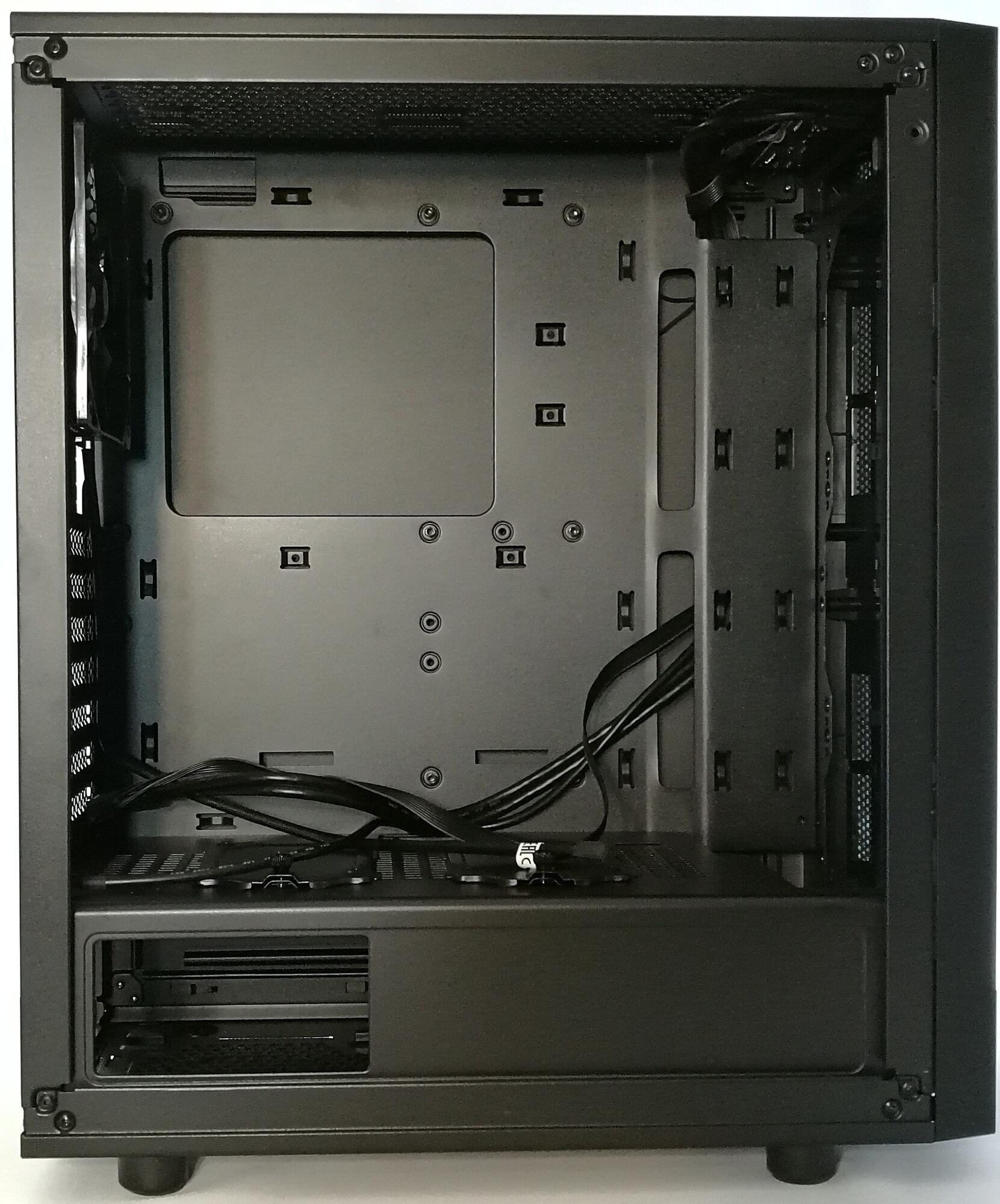 Kompyutery i komplektuyushcie - Thermaltake Versa J25 Tempered Glass Edition - vybor vitriny v tsifrovoy mir
