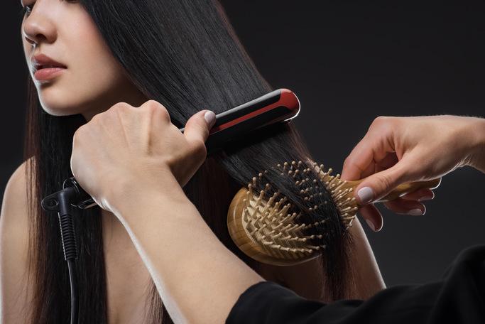 Какое покрытие для выпрямителя волос лучше