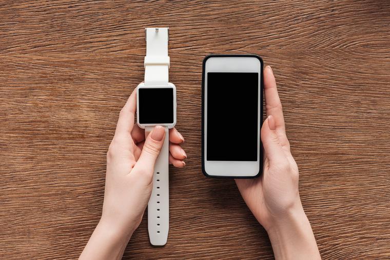 Как подключить смарт-часы к телефону