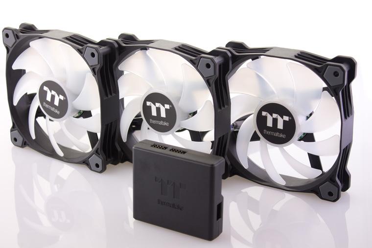 Обзор комплекта вентиляторов Thermaltake Pure Plus 12 LED RGB Radiator Fan TT Premium Edition. Холодно, ярко, красочно!