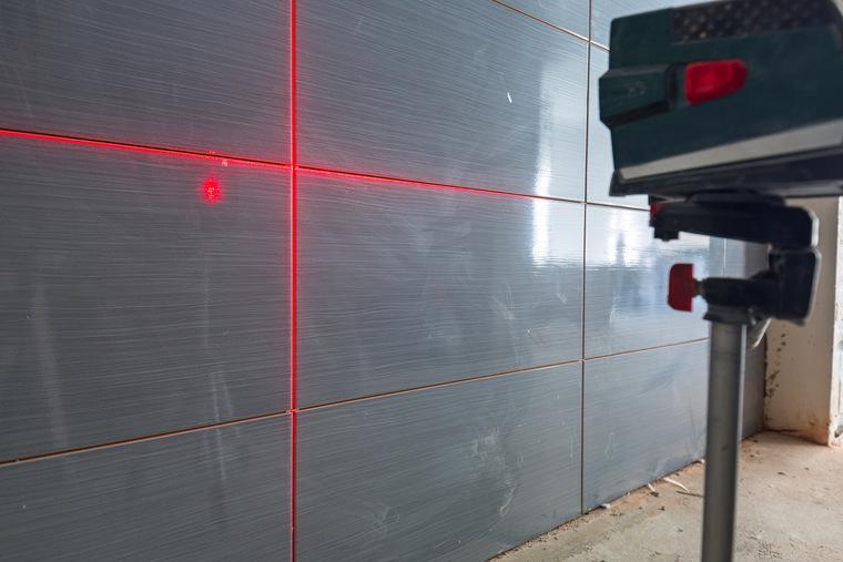 Чем хороши лазерные уровни (нивелиры), и почему строители их массово приобретают